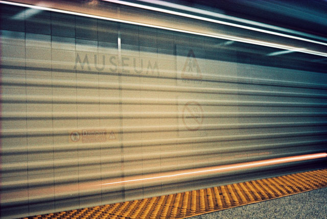 A train entering Museum station.