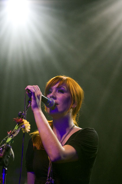 Esthero singing at the Mod Club